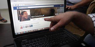 Vox Sentences: A(nother) hack at Facebook