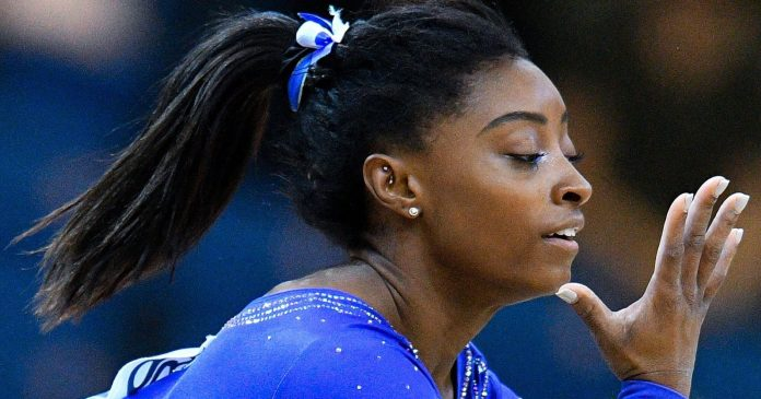 Simone Biles Didn't Let A Kidney Stone Keep Her From Dominating World Championships