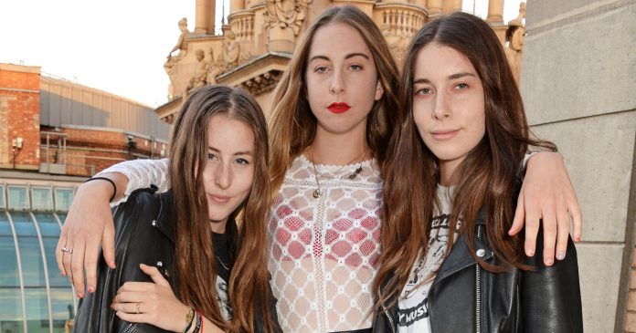 """I Wanna Rock The Boat"": HAIM On Firing Their Agent Over Gender Pay Disparity"