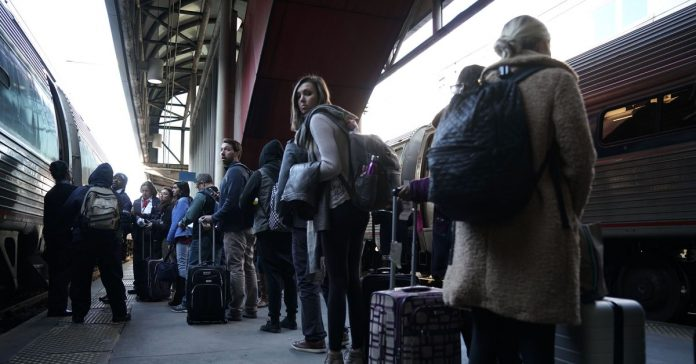 Despite congressional pressure, Amtrak can't get its story straight on train-boarding rules