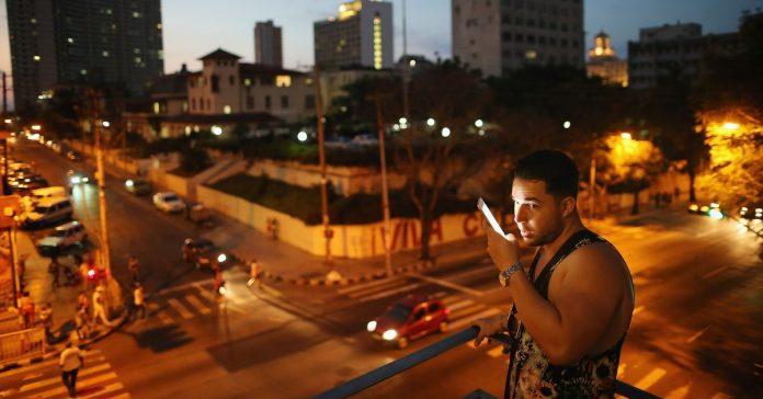 Vox Sentences: Cuba is finally on the grid