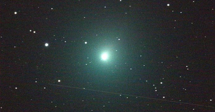 A comet is coming unusually close to Earth this weekend. Here's how to watch.