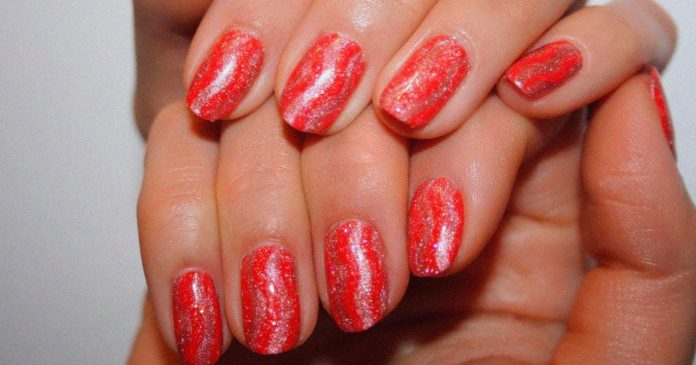 The Sparkliest, Chicest — & Least Cheesy — New Year's Eve Manicures