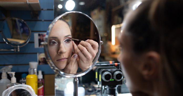 Watch The Crazy Makeup Routine Of A Cirque Du Soleil Star