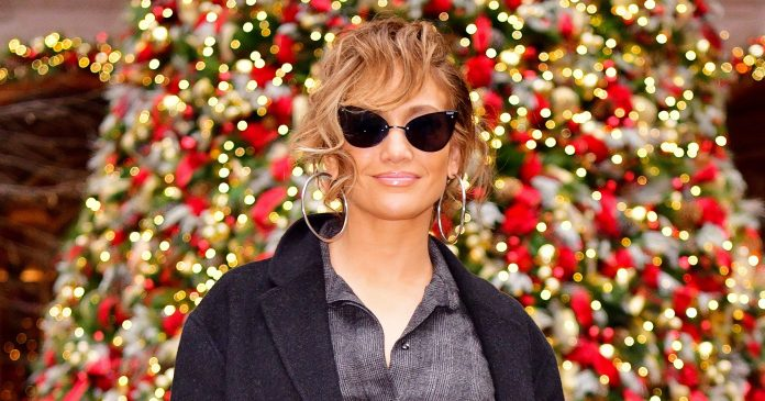 These Are The Best Celebrity Holiday Decorations We've Seen This Year