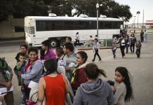 Trump administration to release hundreds of immigrant families from detention