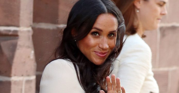 Meghan Markle's Facialist Says This DIY Face Mask Is The Key To Glowy Skin