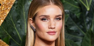 Rosie Huntington-Whiteley Shares Her Makeout-Proof Lipstick Routine