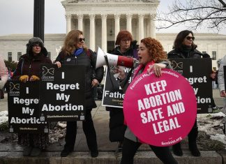 Supreme Court blocks Louisiana's stringent abortion law — but only for a few days