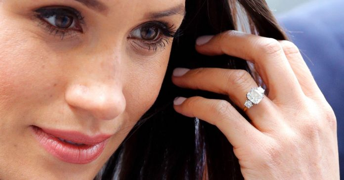 The '90s killed yellow gold engagement rings, but now they're back