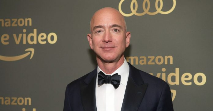 """Jeff Bezos says the National Enquirer's owner threatened to release his """"d*ck pick,"""" so he described it himself"""