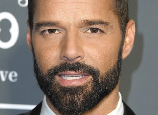 Twitter Has A Lot To Say About Ricky Martin's Grammys Mustache