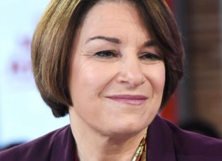 When Amy Klobuchar Talks About Being A Tough Boss, Her Body Language Is Revealing