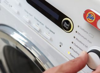 Amazon says it's done selling Dash buttons