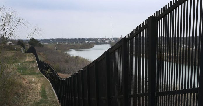 Trump will reportedly ask Congress for another $8.6 billion to build the wall