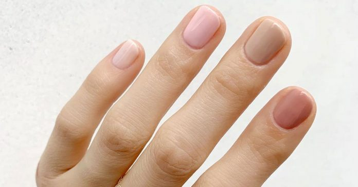 The Gradient Manicure Is This Spring's Chicest Accessory