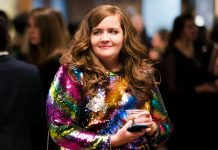 "Aidy Bryant's Shrill Looks Had To Be Custom-Made Because Plus Fashion Is A ""Dead Zone"""