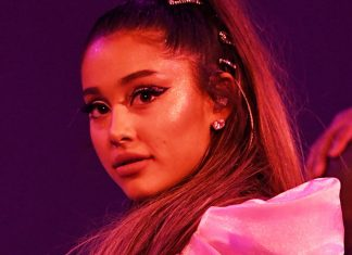 Ariana Grande Kicked Off Her Sweetener World Tour In $30 Hair Clips