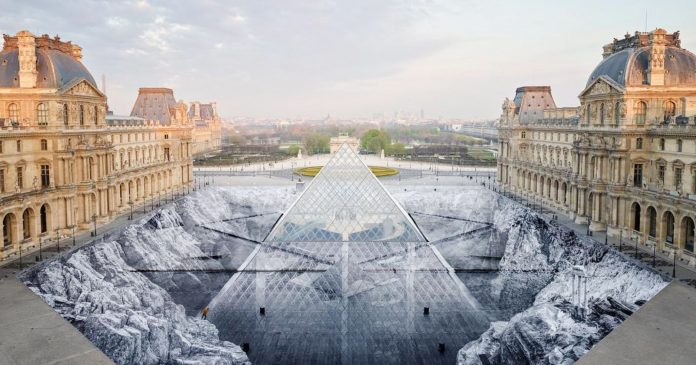 Tourists Destroyed A Giant Louvre Installation Hours After It Was Unveiled