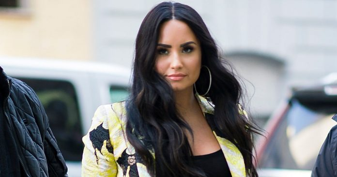 Demi Lovato Got A Dramatic Haircut For Spring — & It Looks So Good