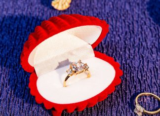15 Engagement Rings For The Bride Who Likes To Keep Things Classic