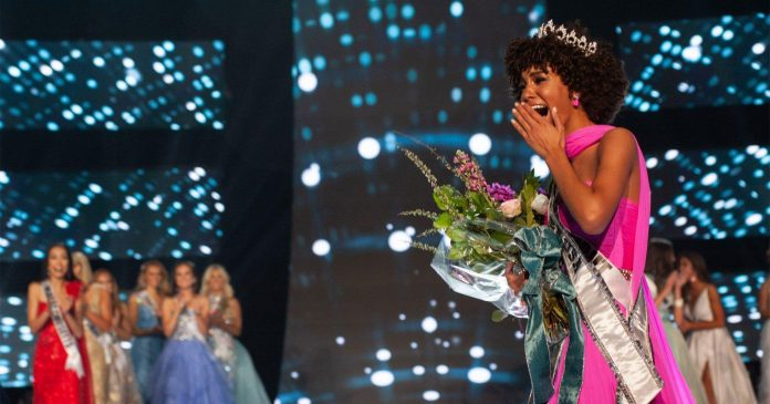 The New Miss Teen USA Was Crowned Wearing Her Natural Curls
