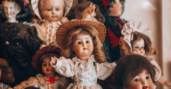 Inside the haunted doll markets of eBay and Etsy