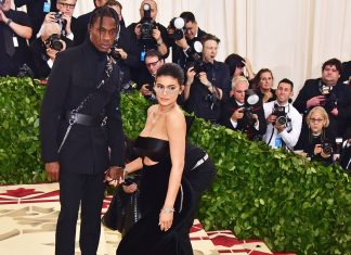 If You Go To The Met Gala & Don't Take A Bathroom Pic, Were You Even There?