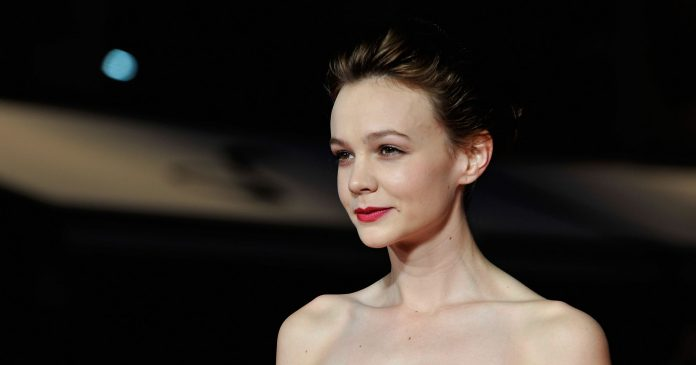 Carey Mulligan Debuted A Very Blonde, French-Girl Bob At The Met Gala