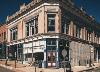 If You Love Ghost Sightings & Serial Killers, You Have To Visit This Colorado Hotel