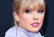 Fans Think Taylor Swift's Blue Hair Is Another TS7 Clue