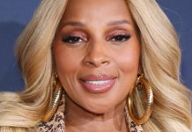 """Mary J. Blige: """"Black Lipstick Was Armor For Me — But I'm Not Hiding Anymore"""""""