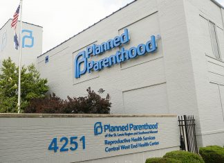 Missouri's Last Abortion Clinic Narrowly Avoids Closure —Again