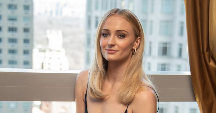 Sophie Turner Gave Us Our First Look At Her Wedding Band In An Insta Story