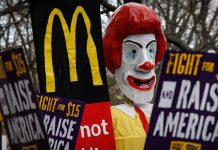 A $15 minimum wage could lift 1.3 million out of poverty — and cost 1.3 million jobs