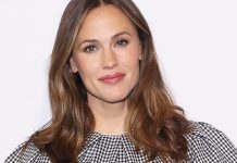 Jennifer Garner Debuts The Perfect Low-Maintenance Highlights For Summer