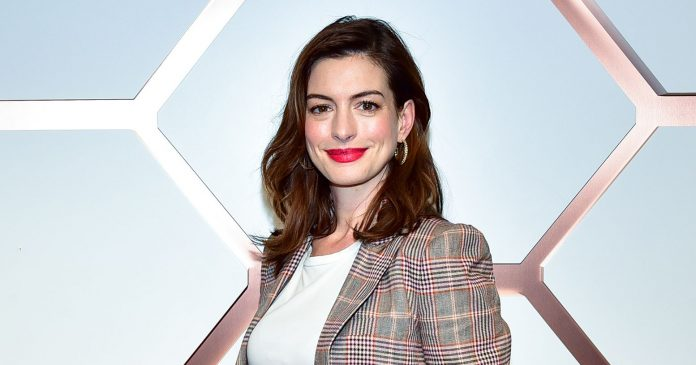 """Anne Hathaway Gets Real About """"Painful"""" Moments That May Come With Pregnancy"""