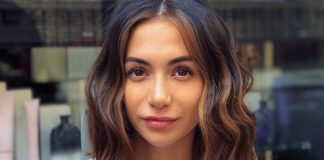 Why Melted-Caramel Highlights Feel So Right For Fall