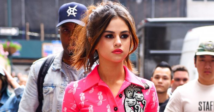 Selena Gomez Is Giving Us Festive Manicure Inspiration For Labor Day Weekend