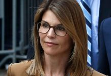 Lori Loughlin Appears In Federal Court For The First Time Since College Scandal Charges