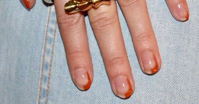 The Orange Manicure Makes A Chic Entry Into Autumn