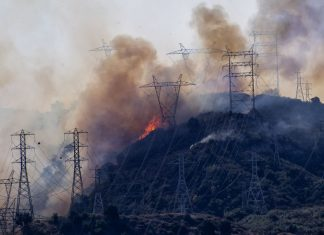 3 key solutions to California's wildfire safety blackout mess