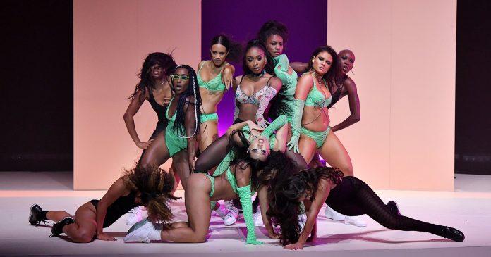 Rihanna Was The Nail In Victoria's Secrets' Coffin