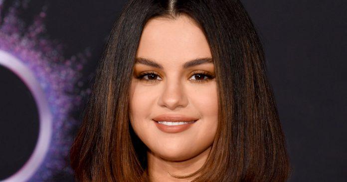 Selena Gomez Just Got L.A.'s Trendiest Haircut — & It Looks So Good