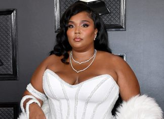 Lizzo Looks Good As Hell On The Grammys Red Carpet