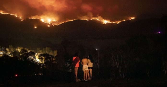 Australia's bushfires are approaching its capital Canberra