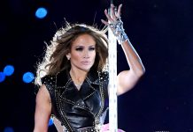 """You Have To See J.Lo's """"Shattered Glass"""" Super Bowl Nails"""