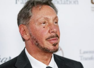 Larry Ellison is doing an unthinkable thing for a tech titan: Hosting a fundraiser for Donald Trump