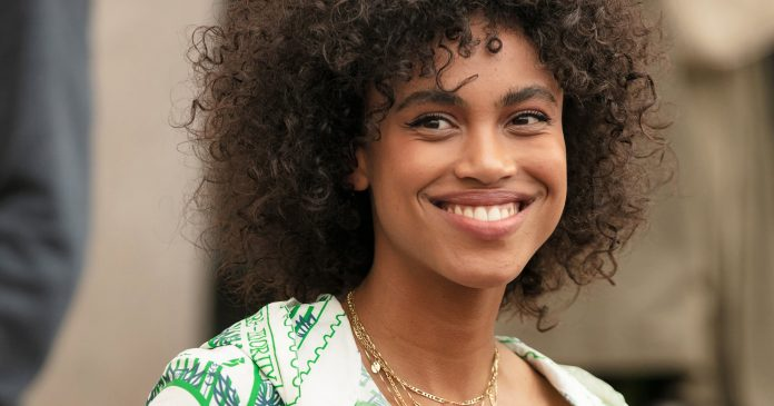 11 Stunning Natural Hair Moments From Paris Fashion Week