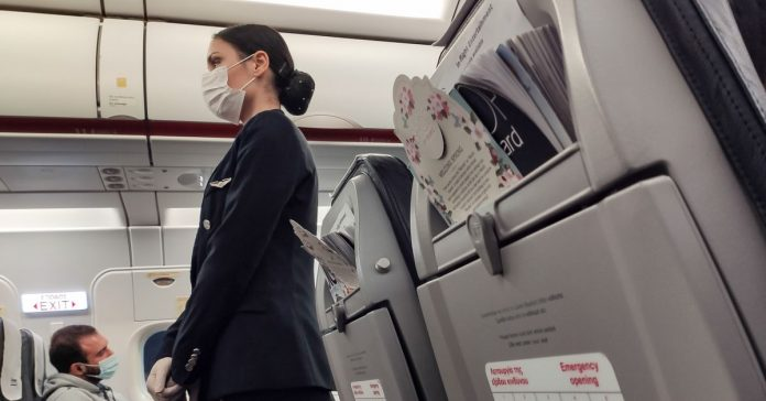 """I wouldn't want to risk my life serving drinks on the way to Paris"": A flight attendant on coronavirus"